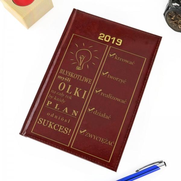 kalendarz z grawerem na prezent na mikołajki
