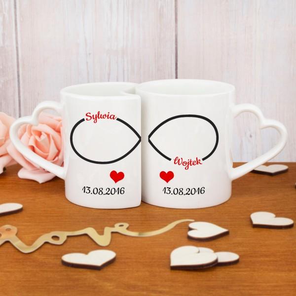 kubki z nadrukiem imion i daty na prezent dla zakochanych